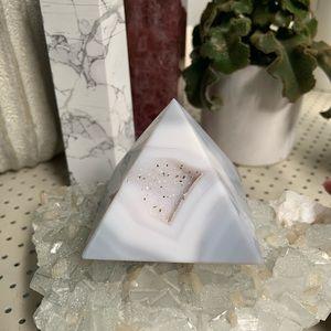 Crystals- Agate Pyramid